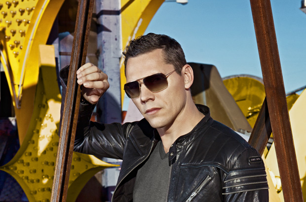 Tiesto releases a brand new remix of club life, episode 349.